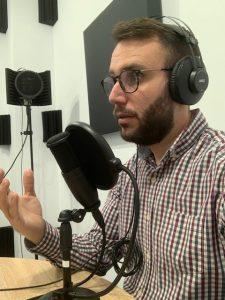 foto javi llull estudio podcast denia